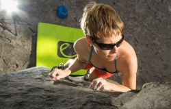 Miriam Pracki boulderte schon an vielen Felsen in ganz Europa. © privat