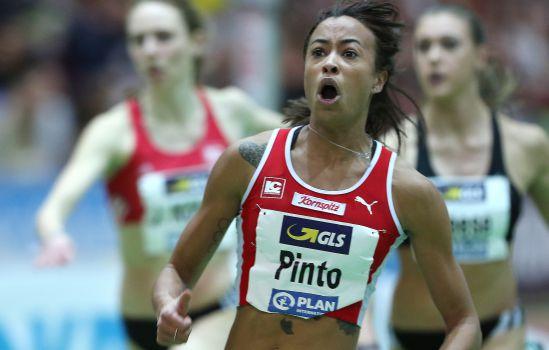 Rekordzeit über 60 Meter: Tatjana Pinto sprintet bei DM ganz nach vorne. © DLV/Dirk Gantenberg