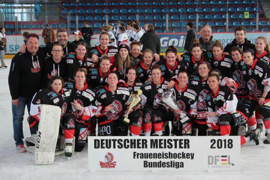 Meister und Pokalsieger 2017/18: Die Frauen des ECDC Memmingen. © ECDC