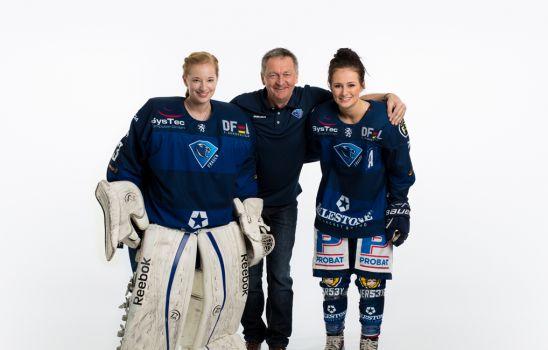 Teammanager Günter Byszio mit seinen beiden Töchtern Eva und Paula. © Daniel Böswald, SNABSHOD® PHOTOGRAPHY