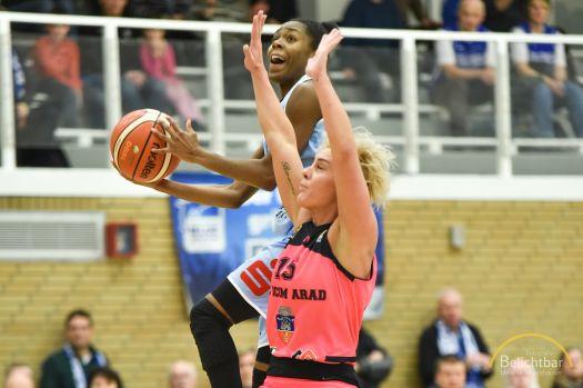 Der BC Pharmaserv Marburg um Tonisha Baker (am Ball) startet auch in dieser Saison wieder im CEWL-Europapokal. © Melanie Weiershäuser