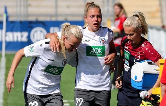 Schmerzverzerrter Blick: Stürmerin Nina Ehegötz humpelte beim Spiel gegen die TSG Hoffenheim vom Platz. © Turbine Potsdam