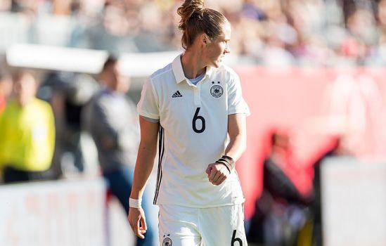 Unter anderem Kirsten Demann (hier beim Spiel gegen Island) wird gegen Österreich auf dem Platz stehen. © Sven Mandel / CC-BY-SA-4.0
