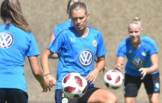 Lara Dickenmann trägt weiterhin das Trikot des VfL Wolfsburg. © VfL Wolfsburg