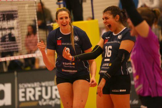 Jennifer Hamson (links) war die punktbeste Spielerin beim VCW . © Detlef Gottwald