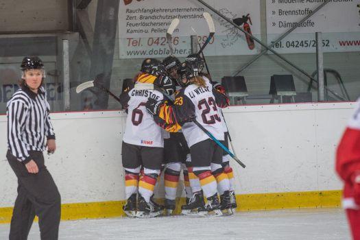 Grund zum Jubel hatte die deutsche U18-Eishockey-Nationalmannschaft gegen Italien genug. © DEB