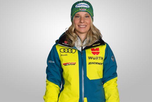 Skicrosserin Heidi Zacher ist nach ihrem Weltcup-Sieg gut drauf für Kanada. © DSV