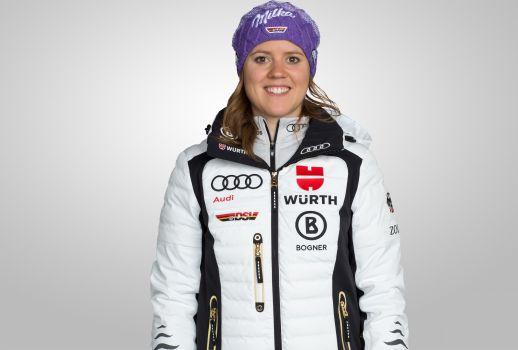 Großer Jubel im deutschen Team um Viktoria Rebensburg. © DSV