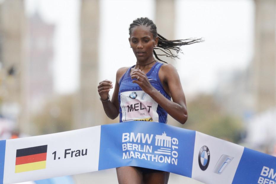 Melat Kejeta vom Laufteam Kassel wird bei ihrem Marathon-Debüt schnellste Deutsche. © SCC EVENTS / Norbert Wilhelmi
