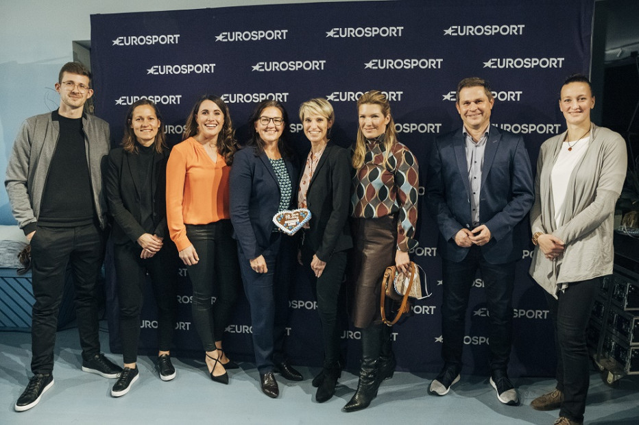 Teilnehmer Cord Sauer (v.l.), Tanja Wörle, Birgit Nössing, Heike Ullrich, Susanne Aigner Drews, Jessica Libbertz, Markus Theil und Almuth Schult. © Mathias Rentsch/Eurosport