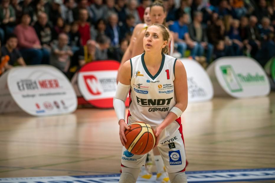 Leslie Vorpahl: trotz ihrer soliden Vorstellung mit 11 Punkten und 10 Rebounds gelang den Angels gegen Saarlouis diesmal kein Heimsieg. © Martin Fürleger