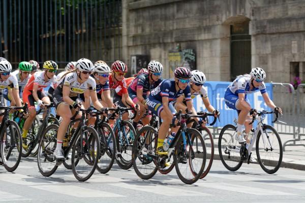 Die Radfahrerinnen – hier bei La Course 2016 – wünschen sich eine Tour de France. © Flickr/S.Yuki