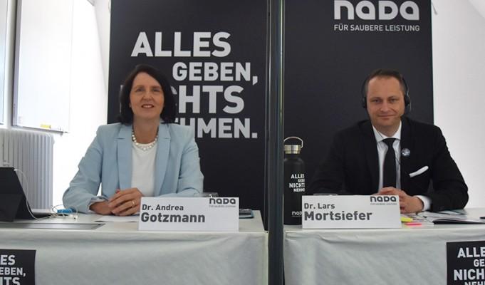Jahreskonferenz der NADA mit Dr. Andrea Gotzmann und Dr. Lars Mortsiefer. © Foto: NADA