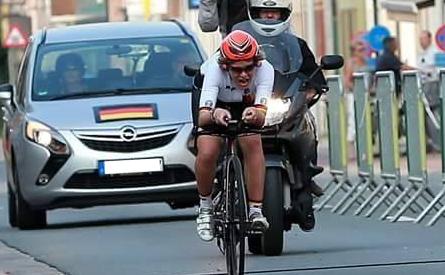Bianca Metz nimmt an Radrennen für Gehörlose teil. © Rudy Schietecatte