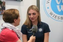 VCW-Teammanagerin Somona Kóšová im Gespräch. © Detlef Gottwald