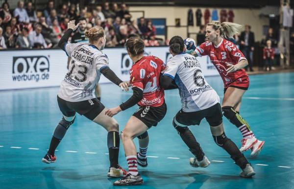 Spielszene aus der Partie TSV Bayer 04 vs. Thüringer HC. © Jörg Dembinski