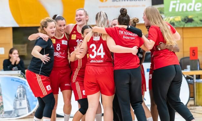 Großer Jubel bei TK Hannover nach dem Sieg im kleinen Pokalfinale. © Martin Fürleger