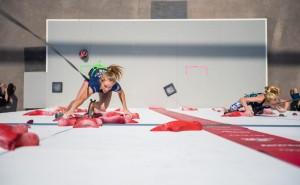 Beim Speed Klettern heißt es: Wer ist schneller oben? © DAV/Thomas Schermer