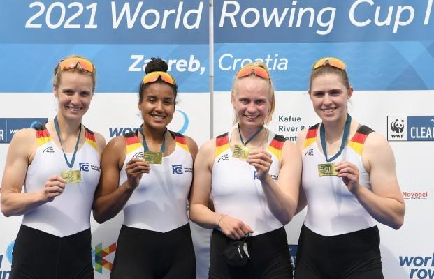 Franziska Kampmann, Frieda Hämmerling, Carlotta Nwajide und Daniela Schultze holen Gold. © DRV
