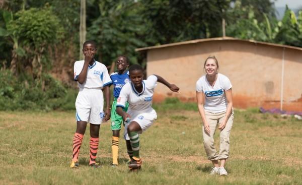 Auch Gina Lückenkemper engagiert sich bei Plan International. © Plan International / Sandra Gätke