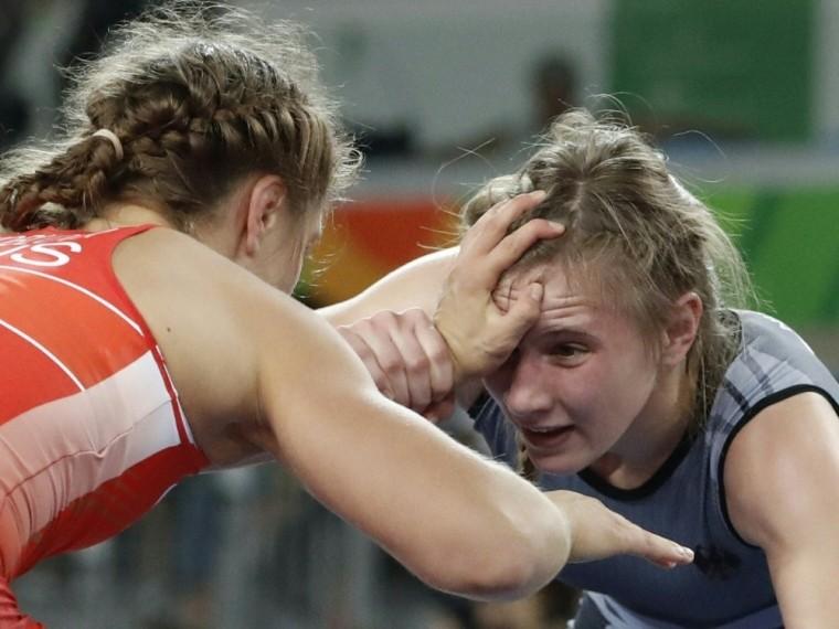 Ringerin Luisa Niemesch (r.) verpasst Olympia-Ticket