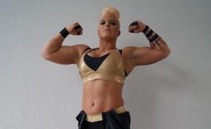 Als Alpha Female steigt Jazzy Gabert in den Wrestling-Ring. © Lena Bass