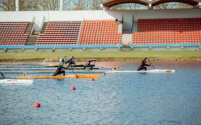 Lisa Jahn gewinnt ihr Rennen im Einer-Canadier. © Finn Eidam