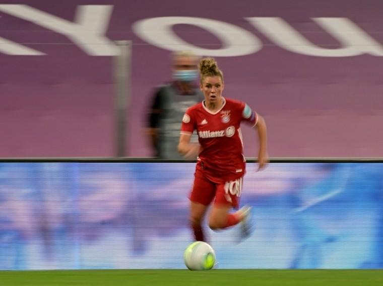 Linda Dallmann trifft beim 5:1 in Freiburg