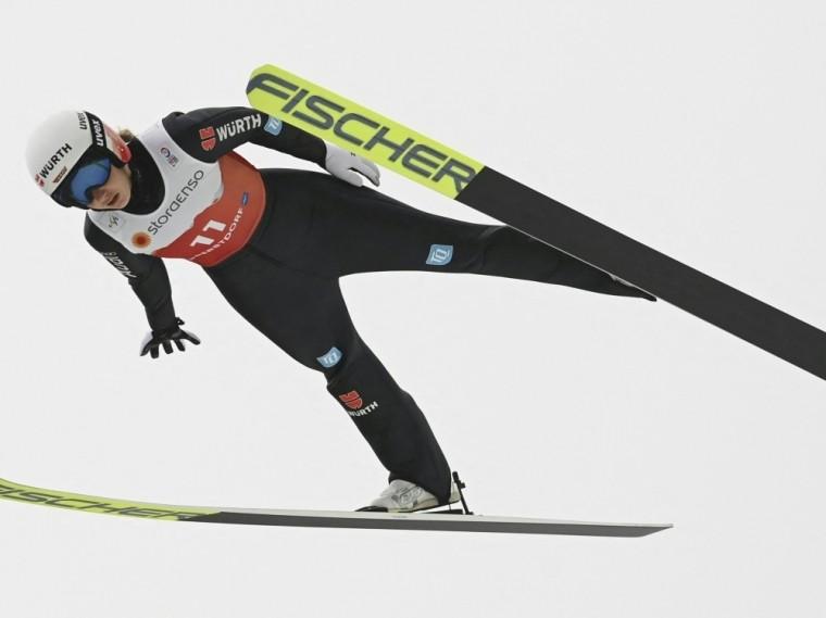 Svenja Würth springt in Oberstdorf auf Platz drei
