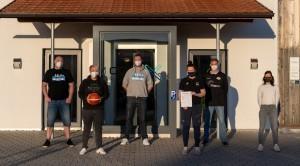 Christian Neef (TSV Wasserburg, v.r.), Corina Kollarovics (SB Rosenheim), Peter Bauer (ASV Rott), Jürgen Schreiner (TuS Bad Aibling), Navina Pertz(TuS Bad Aibling/TSV Wasserburg), Evi Friedl (COROX) © Simon Friedl