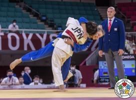 OlympTheresa Stoll im Teamfinale gegen die japanische Gegnerin. © Sabau Gabriela