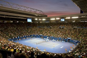 Die Rod Laver Arena in Melbourne. © Steve Collis, CC BY 2.0, https://commons.wikimedia.org/w/index.php?curid=28553036
