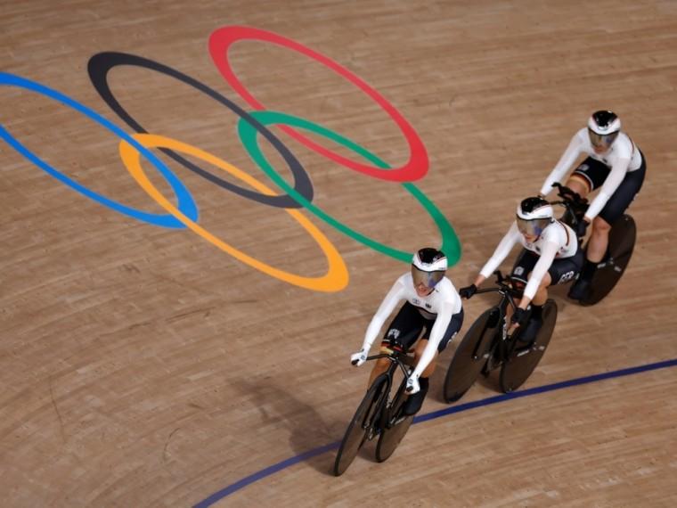 Bahnrad-Vierer der Frauen gewinnt Gold in Tokio