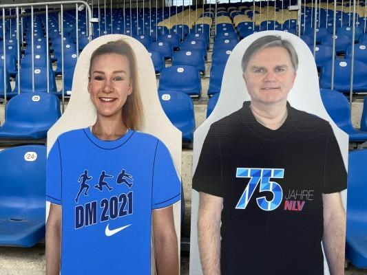 Papplikum mit Weitspringerin Merle Homeier und NLV-Präsident Uwe Schünemann. © NLV