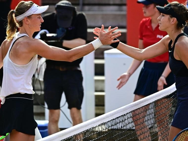 Ludmilla Samsonowa (l) gewinnt gegen Belinda Bencic