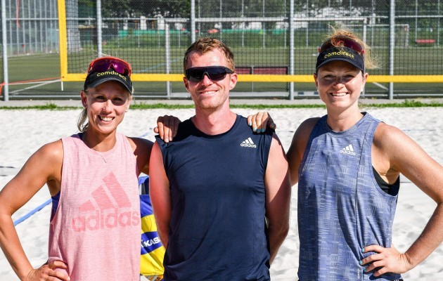 Karla Borger, Trainer Thomas Kaczmarek und Julia Sude fahren nach Tokio. © www.tombloch.de