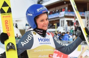 Carina Vogt bei der WM 2019 in Seefeld. © Ailura, CC BY-SA 3.0 AT, https://commons.wikimedia.org/w/index.php?curid=76943121