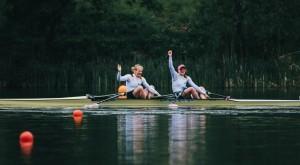 Annekatrin Thiele und Leonie Menzel holen sich das Olympia-Ticket. © DRV/schurwanzpics