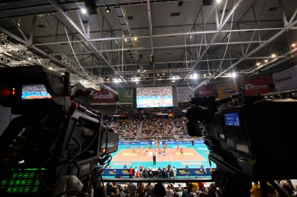 Die Volleyball Bundelsiga der Frauen wird bis 2026 exklusiv auf SPORT1 gezeigt. © Conny Kurth