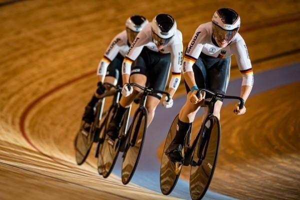 Die drei Teamsprinterinnen auf dem Weg zu WM-Gold. © Mill