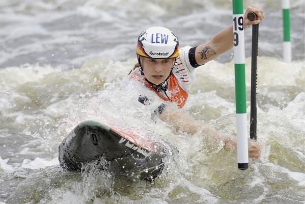 Elena Apel kommt beim Weltcup in Prag auf Rang 7 ins Ziel. © Uta Büttner