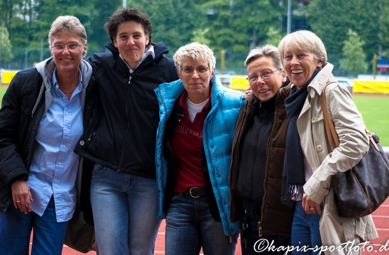 Beim Spiel des Retroteams Germany 2010 in Köln. (v.l.) Beate Henke, Conny Trauschke, Bettina Krug, Gitte Grimm und Anne Trabant-Haarbach. © Marion Kehren/Kapix Sportfoto