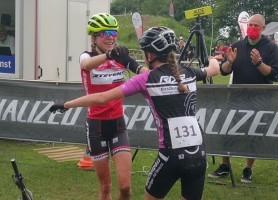 Leonie und Luisa Daubermann werden Deutsche Meisterinnen im Cross Country. © BDR