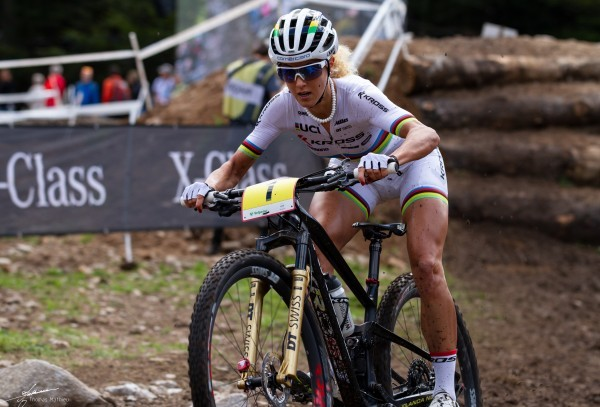 Auch Mountainbikerin Jolanda Neff kämpft für das Frauenrennen. © Thomas Luc René Mathieu, CC BY-SA 4.0, https://commons.wikimedia.org/w/index.php?curid=72161908